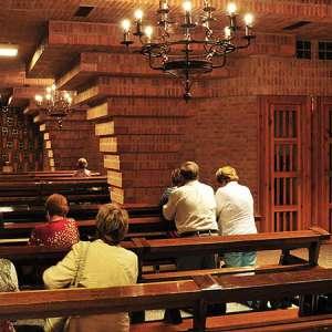 Confesiones-en-la-Virgen-de-Loreto