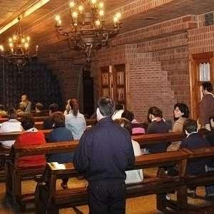 Confesiones-en-la-capilla-del-Pilar