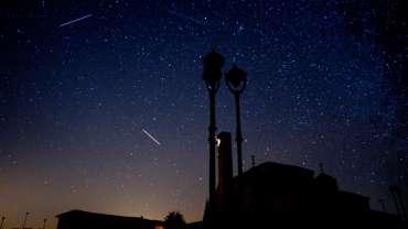 El cielo nocturno de Torreciudad en cámara rápida