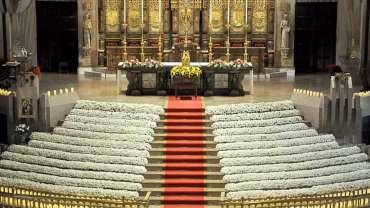 Más de 15.000 flores ofrecidas a la Virgen en el Día de las Familias